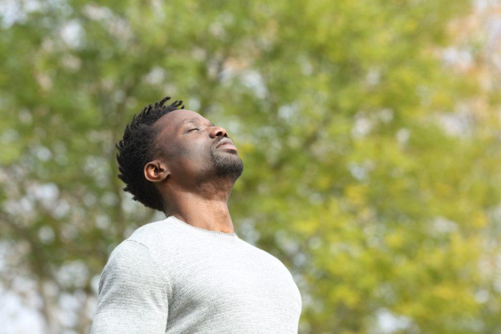 Coaching de respiration du yoga