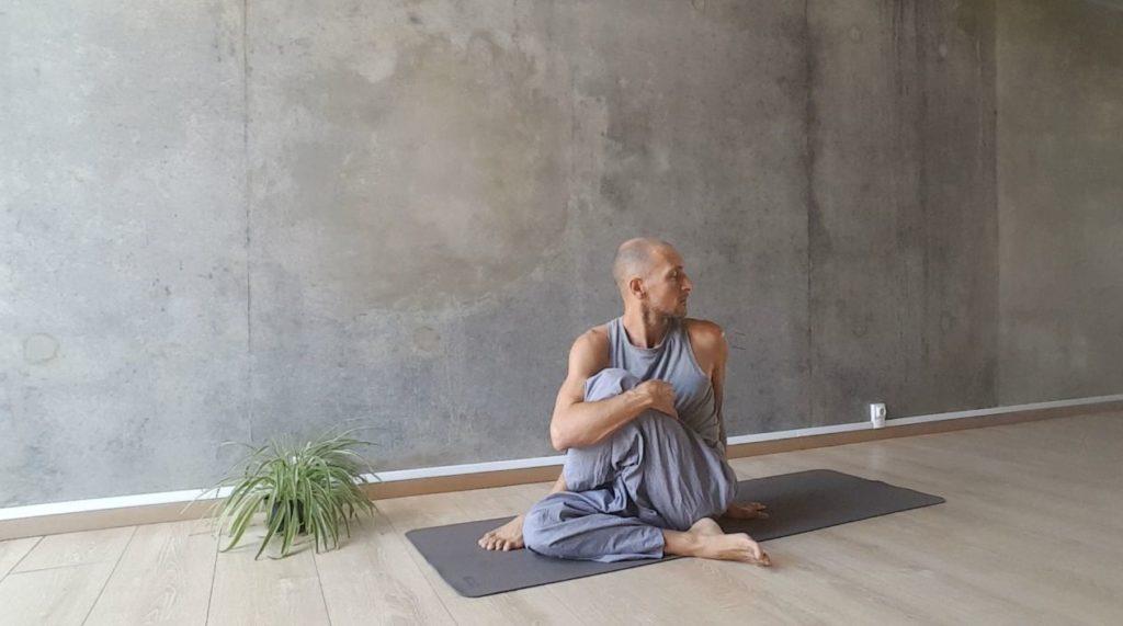 torsion assise yoga reunion 974